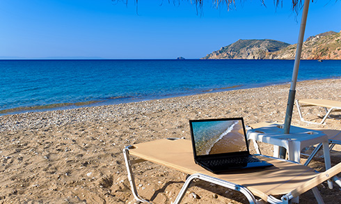 image_laptop_beach
